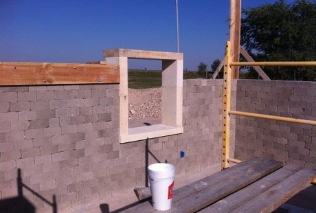 constr cob block home around window